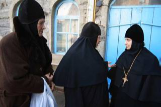 Фото Олега Нехаева. Матушка Ирина (крайняя справа) возглавляет эту обитель.